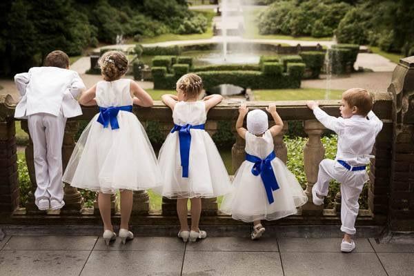 Vijf bruidskindjes op een rij op Kasteel de Hooge Vuursche
