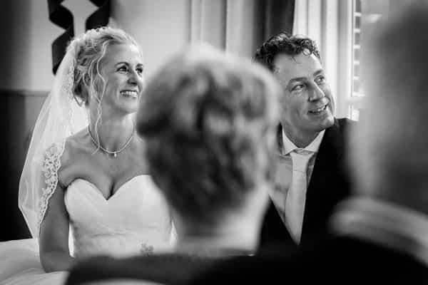 Bruidspaar bruiloft in Landgoed Hotel Groot Warnsborn te Arnhem